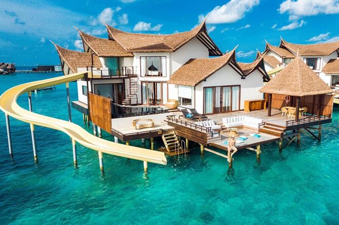 """Choáng váng với độ """"chơi lớn"""" của ông bầu Vũ Khắc Tiệp: Thuê hẳn khách sạn 150 triệu một đêm ở Maldives để... quay vlog - Ảnh 2."""