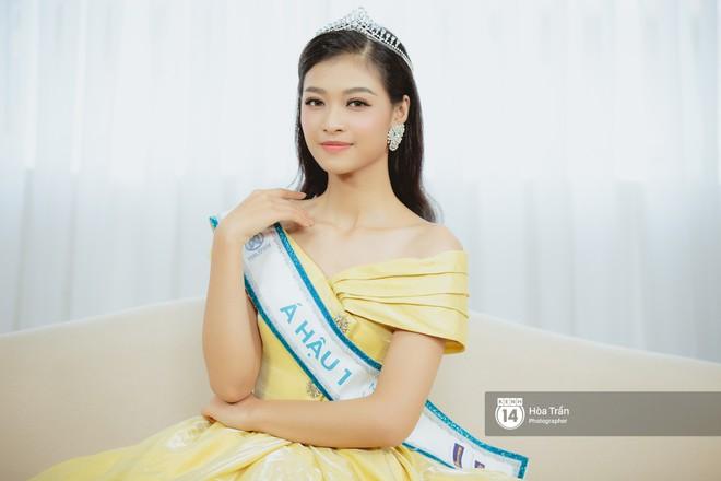 Top 3 Miss World Việt Nam 2019: Tân hoa hậu khẳng định không có ý định phẫu thuật thẩm mỹ, 2 á hậu gây thuyết phục bởi sự tự tin, khôn khéo - Ảnh 3.