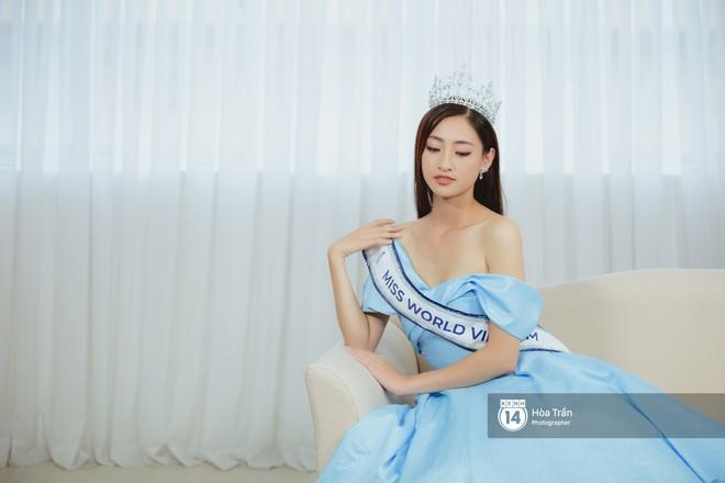 Top 3 Miss World Việt Nam 2019: Tân hoa hậu khẳng định không có ý định phẫu thuật thẩm mỹ, 2 á hậu gây thuyết phục bởi sự tự tin, khôn khéo - Ảnh 15.