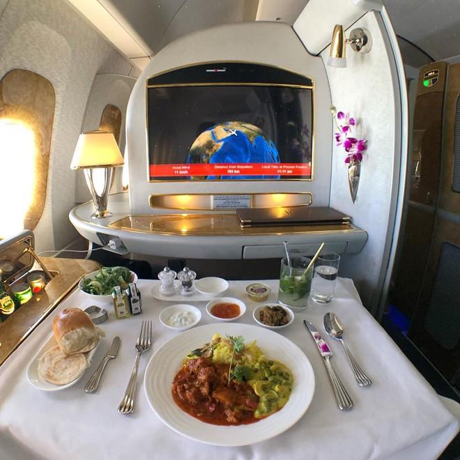Muốn biết hạng thương gia sang chảnh hơn ghế thường ra sao, cứ nhìn bữa ăn của 19 hãng bay nổi tiếng này sẽ rõ! - Ảnh 5.