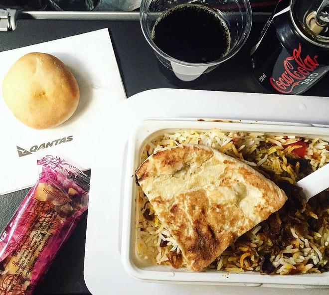 Muốn biết hạng thương gia sang chảnh hơn ghế thường ra sao, cứ nhìn bữa ăn của 19 hãng bay nổi tiếng này sẽ rõ! - Ảnh 10.