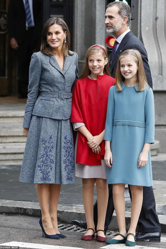 Phong cách thường thấy của những cậu ấm cô chiêu Hoàng gia châu Âu có gì đặc biệt? - Ảnh 6.