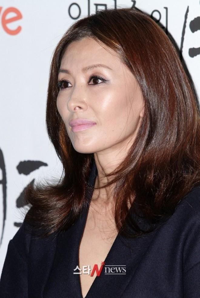 11 scandal tồi tệ nhất lịch sử showbiz Hàn: Tự tử, ngoại tình, hãm hiếp liên hoàn, vụ của Seungri chưa là gì - Ảnh 6.