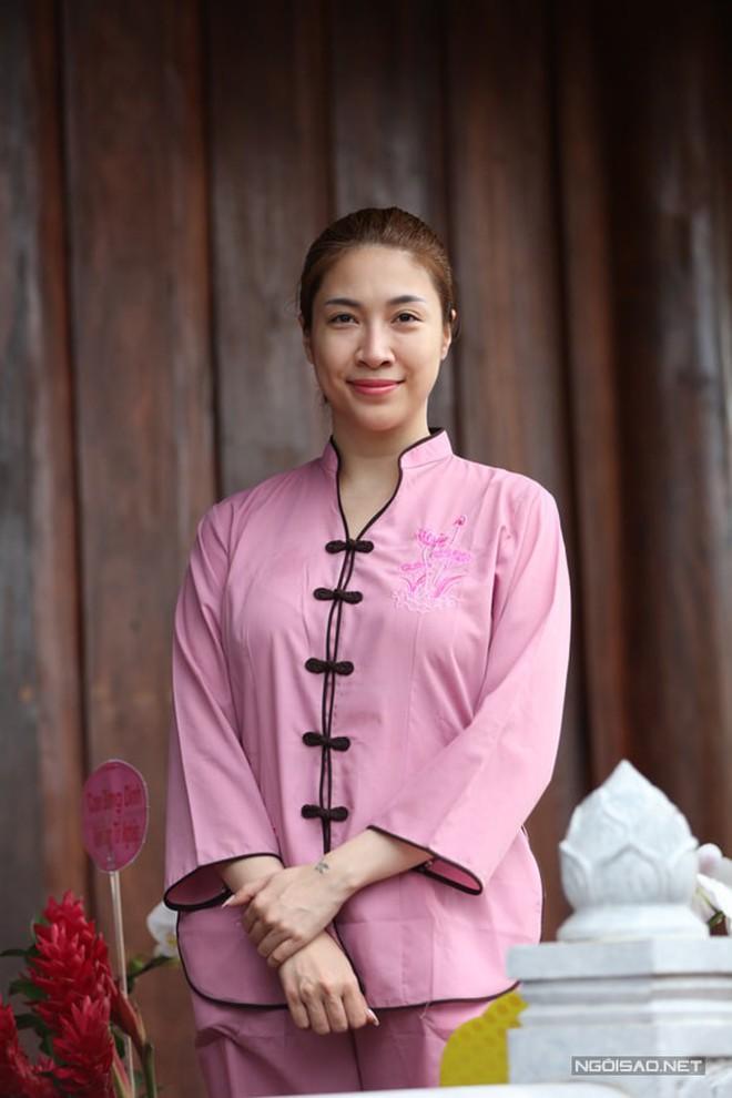 Loạt ca sĩ Việt nô nức trong ngày lễ giỗ Tổ ngành sân khấu - Ảnh 1.