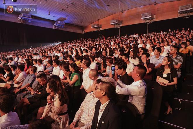 Clip, ảnh: Những khoảnh khắc ấn tượng, đầy cảm xúc trong đêm ra mắt mạng xã hội Lotus - Ảnh 3.