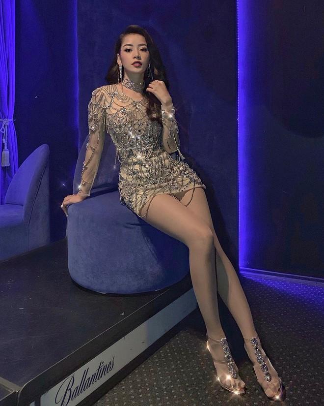 Dáng chuẩn như chai Coca, bảo sao Chi Pu cứ chăm diện đầm ôm khoe body sexy từng milimet - Ảnh 4.