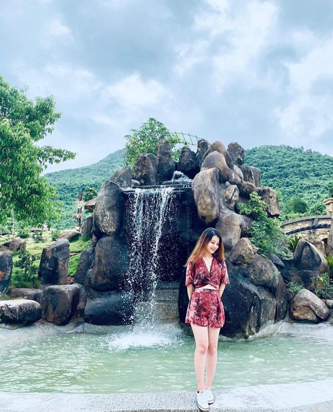 """Ngay tại Việt Nam cũng có ngôi làng người lùn đẹp như """"xứ sở thần tiên"""" được giới trẻ check in rần rần - Ảnh 6."""