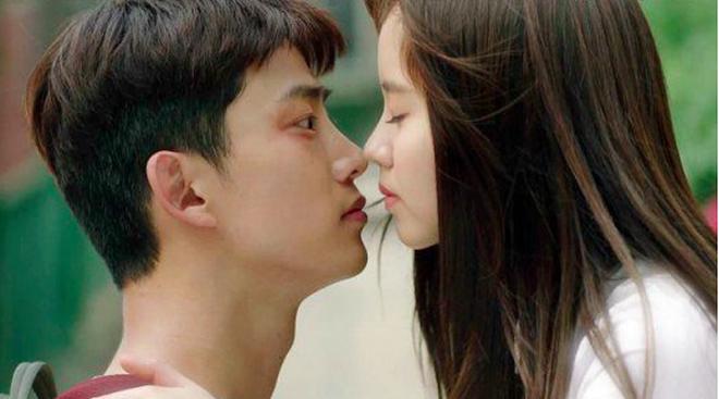 """Nữ thần học đường Kim So Hyun """"xá» ngọt"""" bao chàng trong phim ngoài đời hoá ra lại là """"trinh nữ""""? - Ảnh 3."""