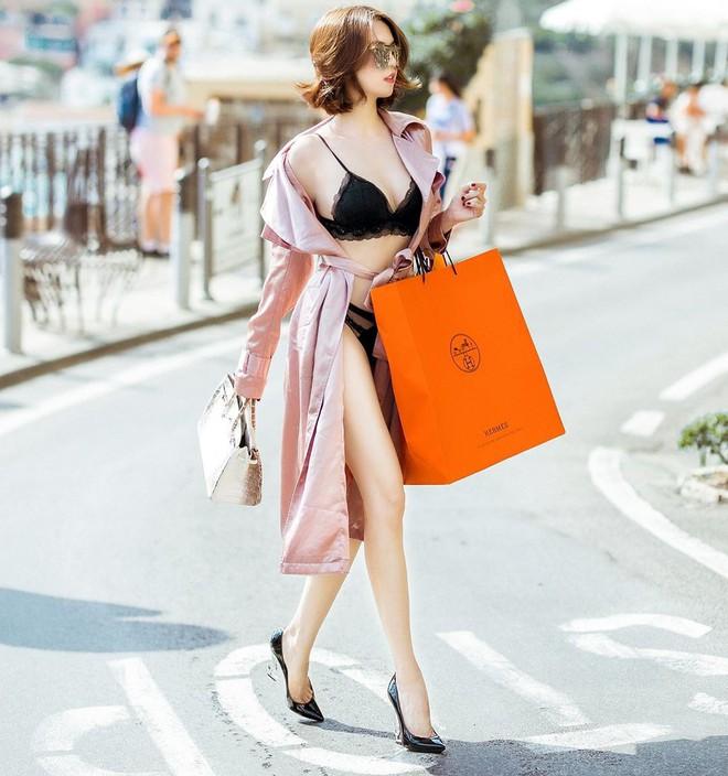 Không dưng bị ai đó dựa hơi, Ngọc Trinh chẳng còn sức để mặc quần áo chỉnh tề đi shopping nữa đây này! - Ảnh 2.