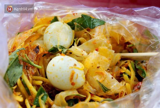 """""""Chết thèm"""" với gia phả họ hàng nhà bánh tráng hội tụ ở thiên đường ẩm thực Sài Gòn - Ảnh 1."""
