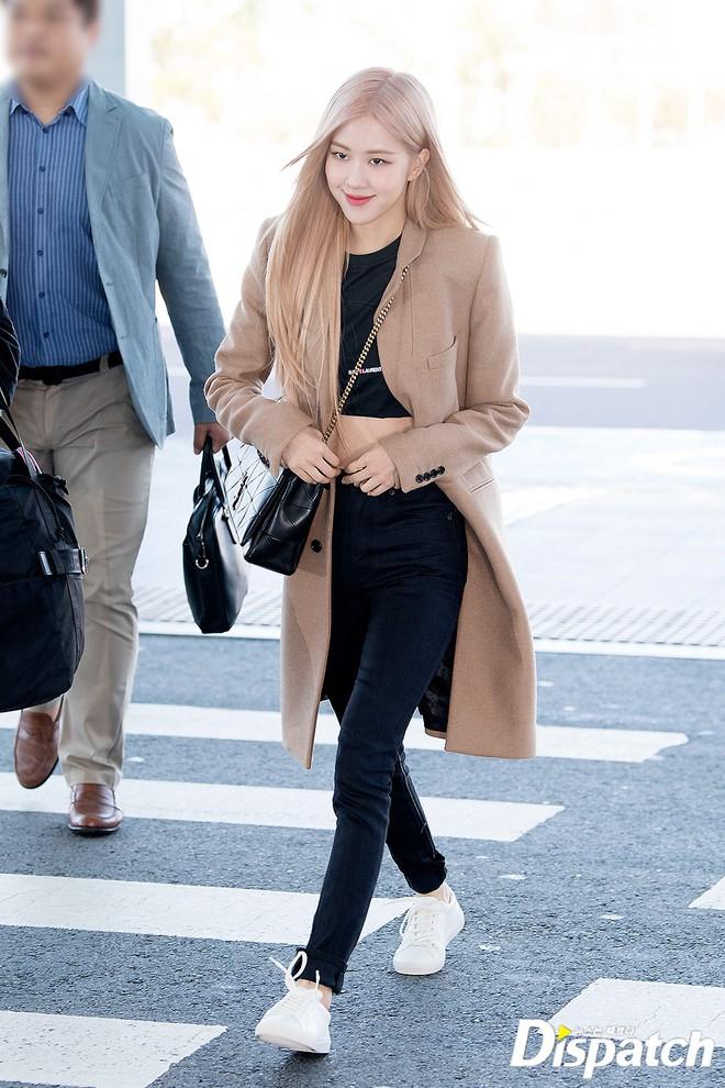 Màn đọ sắc xuất thần gây bão sân bay: Rosé (BLACKPINK) đẹp đỉnh cao, làm lu mờ cả Suzy và chân dài cực chất - Ảnh 6.