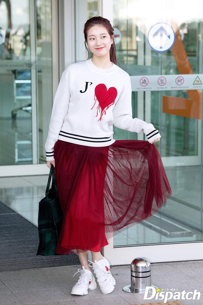 Màn đọ sắc xuất thần gây bão sân bay: Rosé (BLACKPINK) đẹp đỉnh cao, làm lu mờ cả Suzy và chân dài cực chất - Ảnh 8.