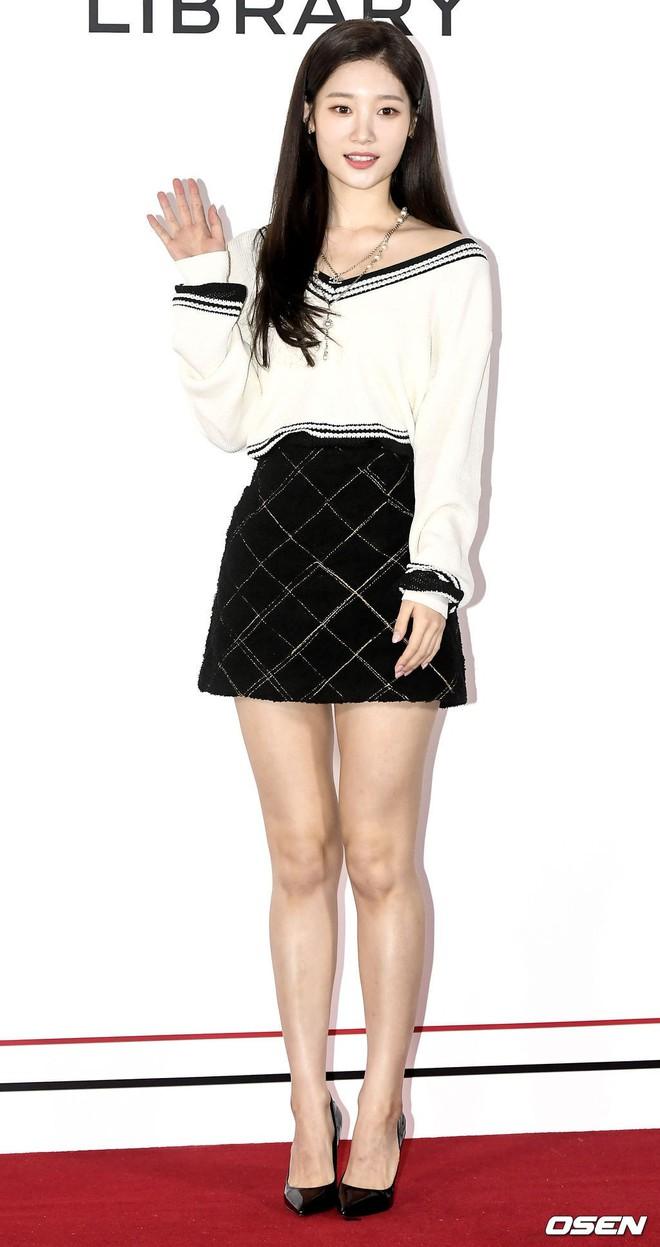 Choáng với sự kiện toàn sao hạng A: 2 nữ thần Kpop bị bạn gái Kim Woo Bin đè bẹp, Lee Dong Wook thế này ai đọ được? - Ảnh 9.