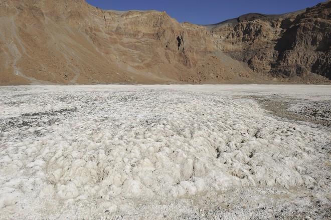 4 hồ nước bí ẩn nhất thế giới: Cái mơ mộng nên thơ, nơi ẩn chứa hàng trăm bộ xương người rùng rợn Emikoussicraternatron-15693878999931040715717