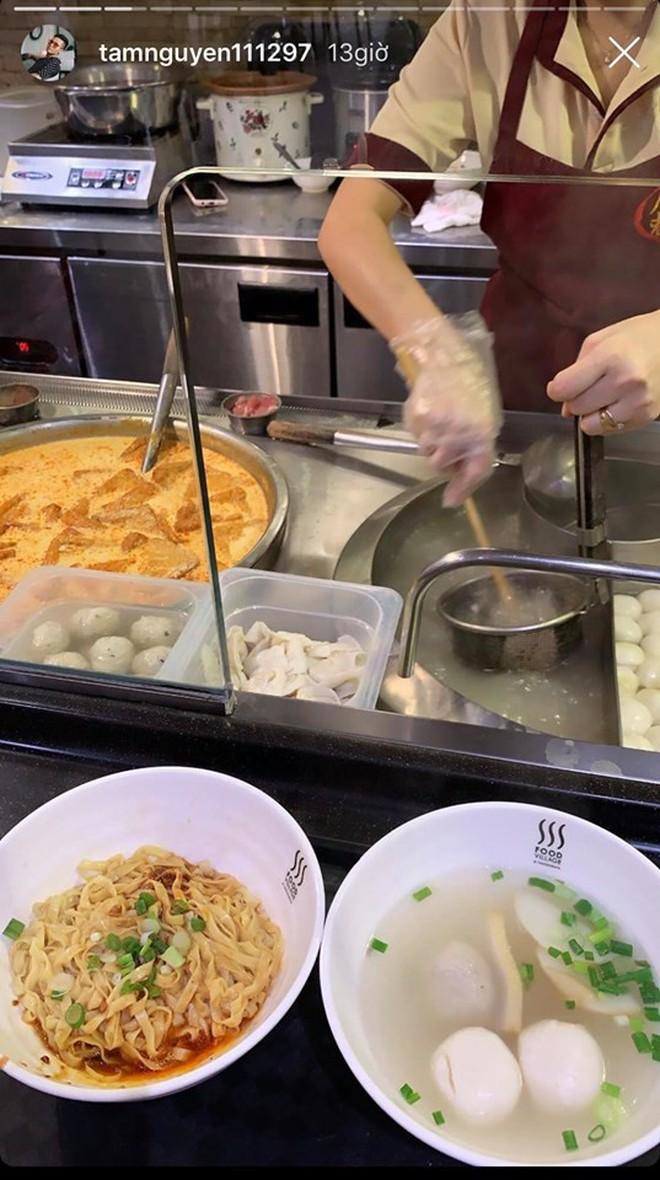 Ái nữ nhà Minh Nhựa được chồng mới cưới chiều như công chúa: Sang Singapore tậu đôi chiếc iPhone 11, food tour xuyên ngày! - Ảnh 5.