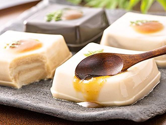 """Nhìn qua tưởng miếng đậu phụ bình thường, ăn vào mới biết độ """"lừa tình"""" bá đạo của người Nhật - Ảnh 4."""
