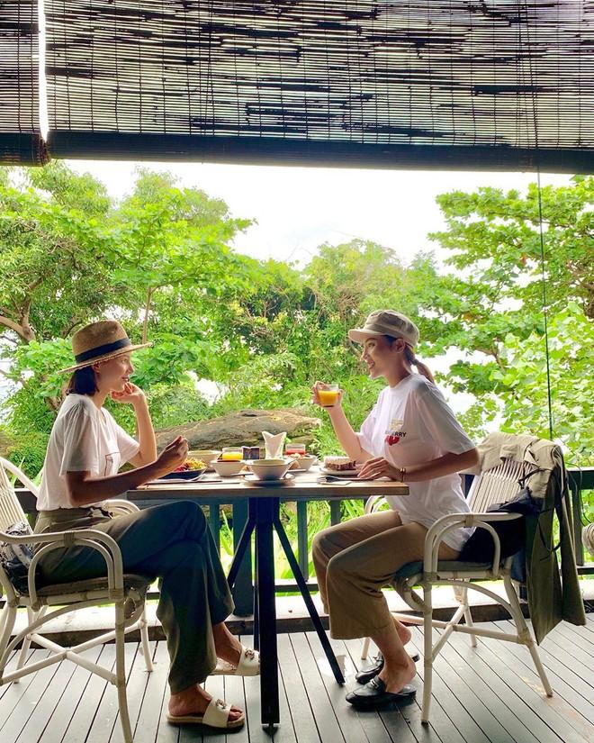 """Hai chuyến du lịch """"bão táp"""" nhất của Vbiz 2019 gọi tên Kỳ Duyên, Minh Triệu và Ngọc Trinh: Cảm hứng nude cứ phải gọi là dâng trào luôn! - Ảnh 6."""
