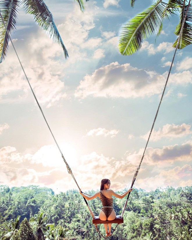 """Hai chuyến du lịch """"bão táp"""" nhất của Vbiz 2019 gọi tên Kỳ Duyên, Minh Triệu và Ngọc Trinh: Cảm hứng nude cứ phải gọi là dâng trào luôn! - Ảnh 9."""