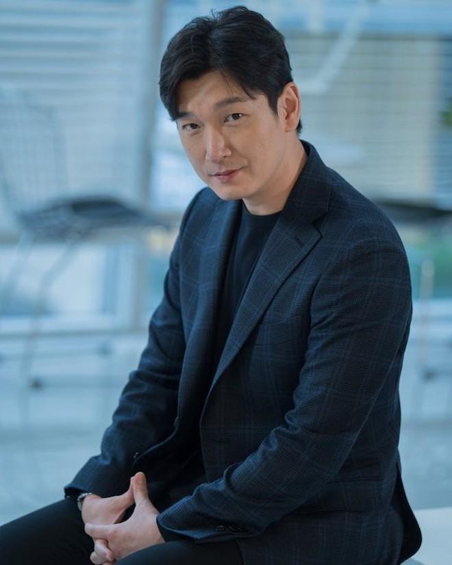 """5 phim Hàn có diễn viên toàn """"Avengers"""" huỷ diệt rating sắp trở lại: Bom tấn 700 tỉ của Song Joong Ki có kịp bứt phá? - Ảnh 10."""