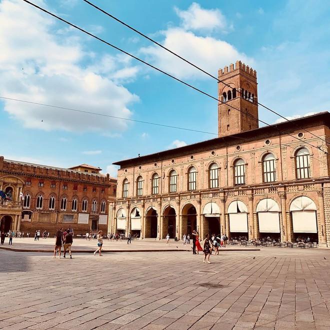 16 trường đại học đẹp nhất thế giới với kiến trúc xinh như cổ tích, sinh viên đi học đứng góc nào cũng có hình sống ảo nghìn like - Ảnh 8.