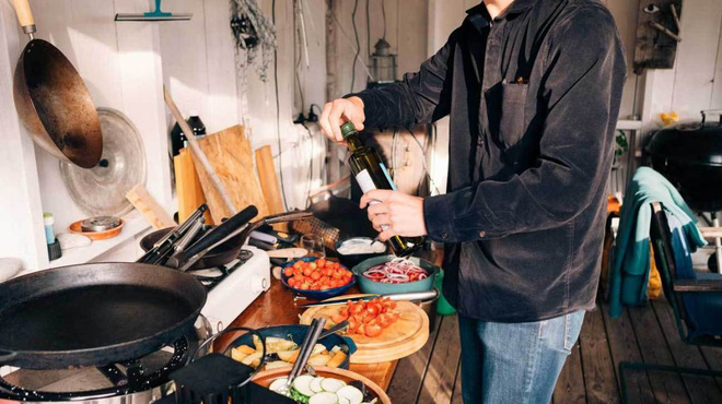Những thói quen xấu thường thấy trong nhà bếp nếu không sửa ngay sẽ gây hại sức khỏe nghiêm trọng - Ảnh 4.