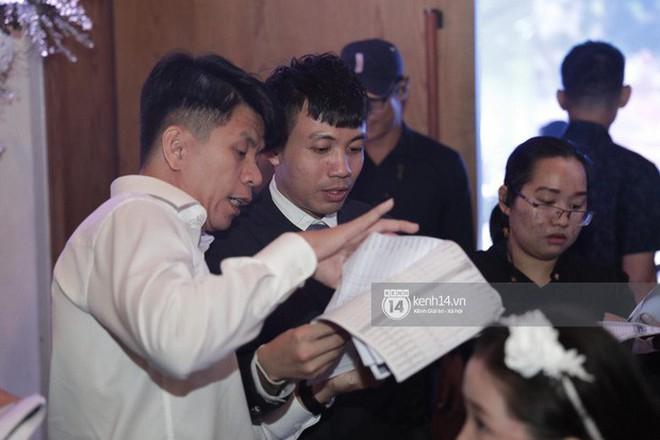 Sốc: Hé lộ thực đơn trong bữa tiệc cưới gần 20 tỷ của con gái đại gia Minh Nhựa, toàn sơn hào hải vị nhưng số lượng món ăn mới gây bất ngờ - Ảnh 2.