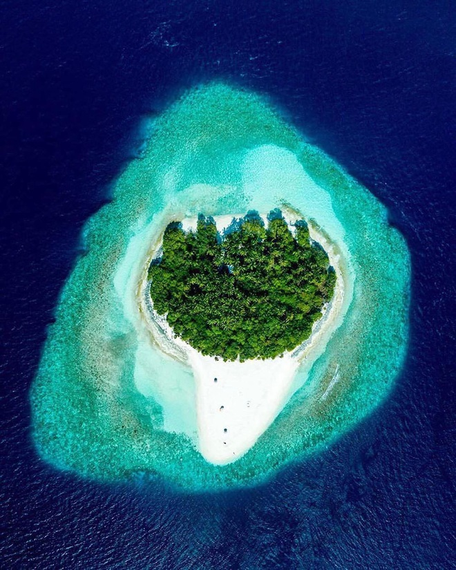 """Muốn biết bàn tay mẹ thiên nhiên kỳ diệu thế nào, cứ nhìn vào 5 hòn đảo """"nằm thẳng tắp thành 1 hàng"""" ở Maldives này sẽ rõ! - Ảnh 12."""