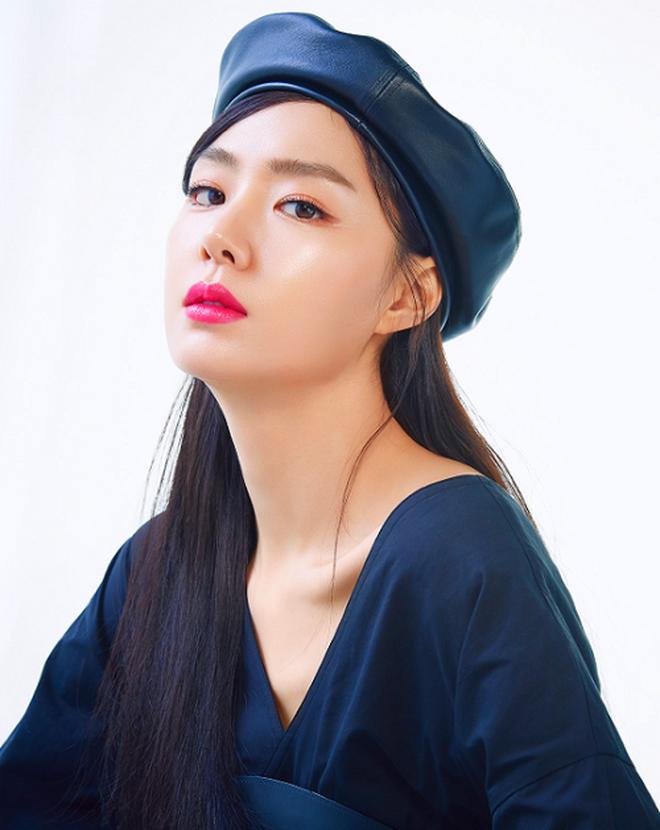 """""""Hôn thê Hyun Bin"""" Seo Ji Hye của Crash Landing On You: Trùm nữ phụ thần thái """"sang xịn mịn"""" nhưng mãi không phất - Ảnh 10."""