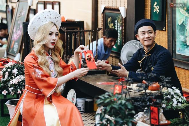 Nhiều ông, bà đồ trẻ cho chữ trên phố ông đồ Phạm Ngọc Thạch dịp Tết Canh Tý 2020 - Ảnh 10.