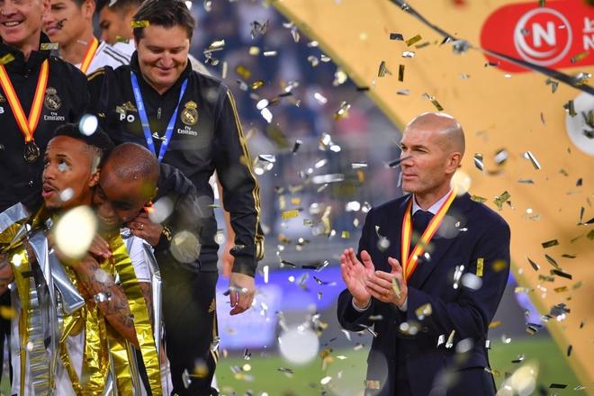 Đồng đội cũ của Ronaldo bị tố chơi bẩn giúp Real Madrid giành danh hiệu đầu tiên mùa này - Ảnh 9.