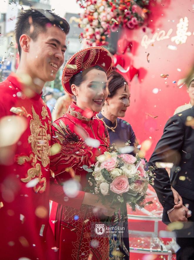 """Khoảnh khắc đẹp trong đám hỏi Quỳnh Anh - Duy Mạnh: Chú rể toe toét cười từ đầu đến cuối, hẳn là vì rước được """"công chúa béo"""" về dinh - Ảnh 4."""