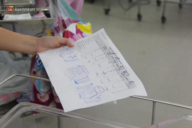 Mẹ đẻ ở bệnh viện Từ Dũ rồi bỏ đi biệt tích, 3 bé gái 4 tháng tuổi phải chuyển đến nơi nuôi trẻ mồ côi trước Tết - Ảnh 5.