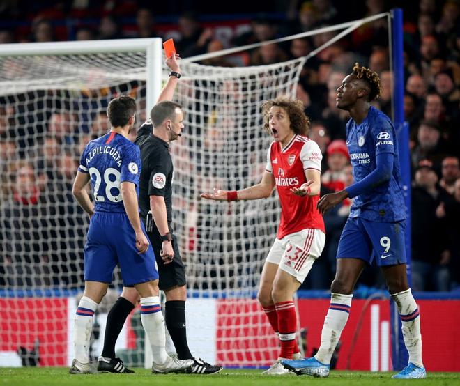 Nam thần Kante bất ngờ tái hiện cú trượt chân đá bay cúp vô địch Ngoại hạng Anh, Chelsea đánh rơi chiến thắng trước Arsenal dù sở hữu lợi thế cực lớn - Ảnh 2.