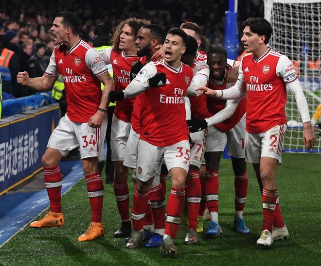 Nam thần Kante bất ngờ tái hiện cú trượt chân đá bay cúp vô địch Ngoại hạng Anh, Chelsea đánh rơi chiến thắng trước Arsenal dù sở hữu lợi thế cực lớn - Ảnh 6.