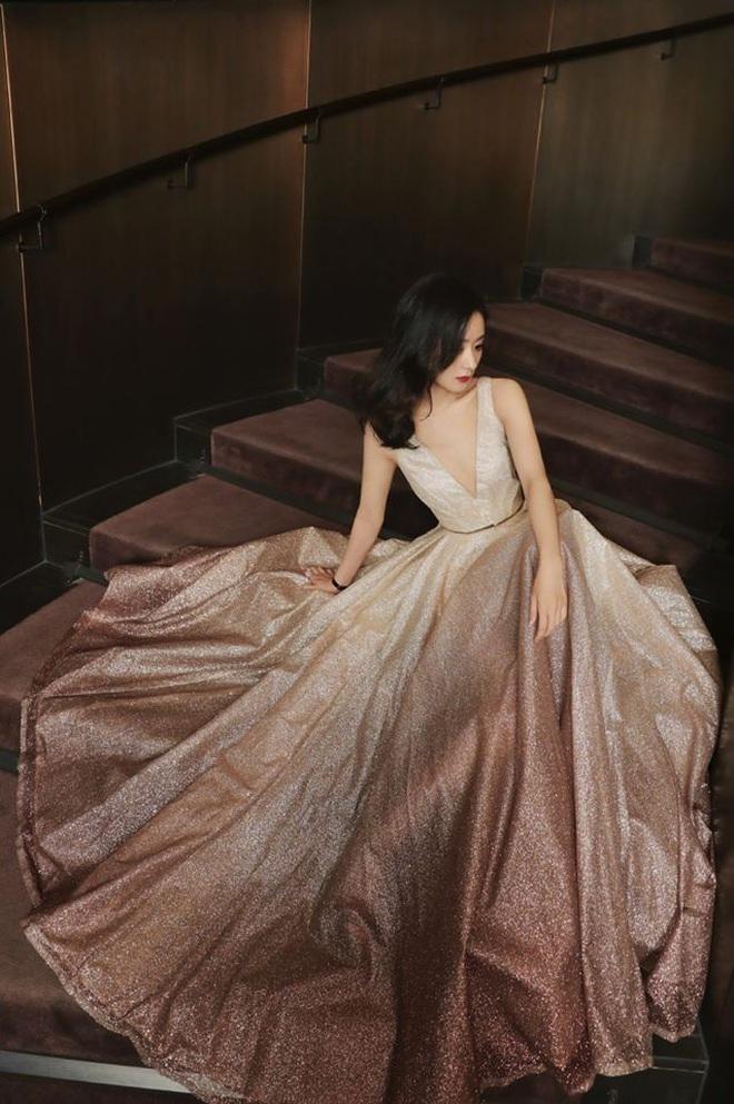 Style của Triệu Lệ Dĩnh thăng hạng vù vù sau khi kết hôn, lần nào xuất hiện cũng gây bão vì quá đẹp - Ảnh 3.