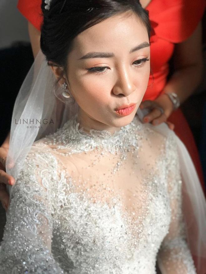 """Váy cưới của cô dâu Nhật Linh: 2 bộ đã """"sương sương"""" 1 tỷ VNĐ, riêng bộ váy chính bồng xòe đúng chuẩn váy công chúa - Ảnh 4."""
