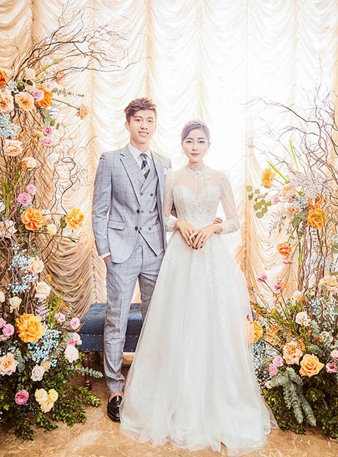 """Váy cưới của cô dâu Nhật Linh: 2 bộ đã """"sương sương"""" 1 tỷ VNĐ, riêng bộ váy chính bồng xòe đúng chuẩn váy công chúa - Ảnh 9."""