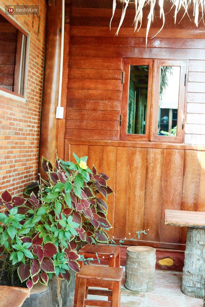 Căn nhà gần 6 tỷ đồng được làm từ 4.000 cây dừa của lão nông 80 tuổi gây ngỡ ngàng người dân miền Tây - Ảnh 10.