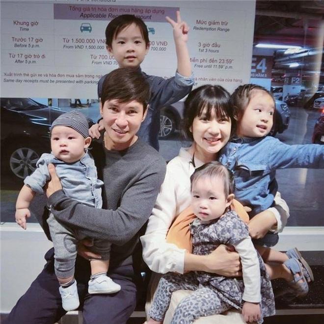 10 cặp vợ chồng Vbiz gắn kết hơn 1 thập kỷ: Chuyện tình Hà Tăng đẹp phim, Hồ Hoài Anh - Hương Giang xa để lại về với nhau - Ảnh 26.