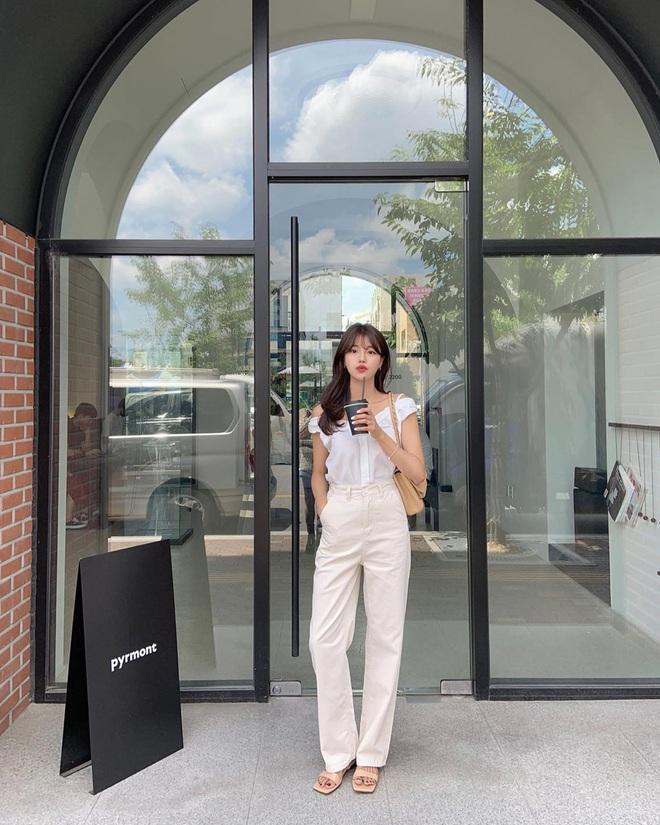 Tậu quần jeans trắng là có style sang xịn trendy, phối đồ đơn giản cỡ nào trông cũng hay ho - ảnh 8