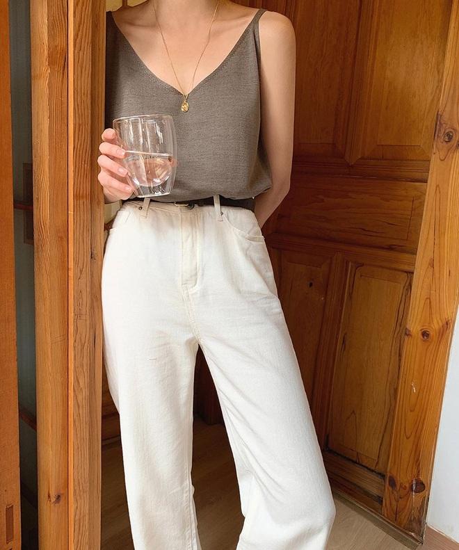 Tậu quần jeans trắng là có style sang xịn trendy, phối đồ đơn giản cỡ nào trông cũng hay ho - ảnh 4