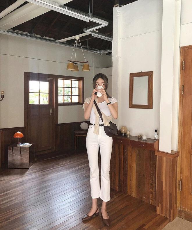 Tậu quần jeans trắng là có style sang xịn trendy, phối đồ đơn giản cỡ nào trông cũng hay ho - ảnh 3