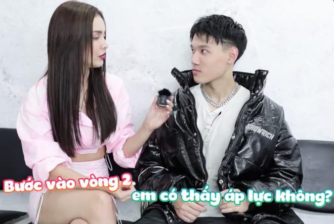 Tlinh - MCK ôm nhau kề má tình cảm phát hờn trong hậu trường Rap Việt! - ảnh 8