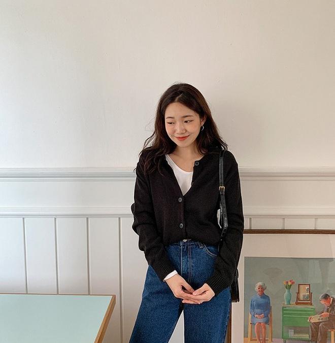Copy 5 công thức này, đảm bảo bạn mặc cardigan xinh yêu như gái Hàn - Ảnh 3.