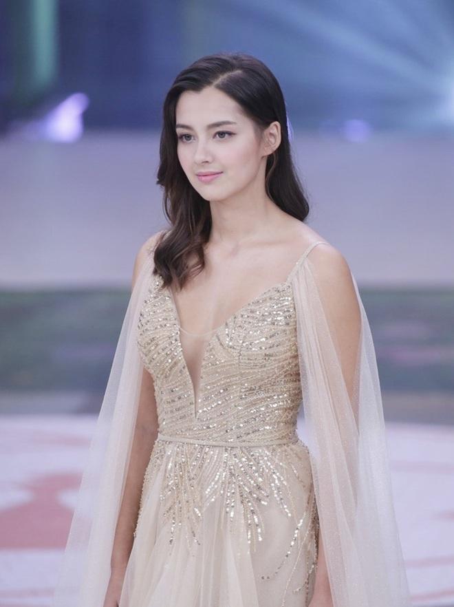 Hoa hậu Hong Kong 2020 đẹp nhất nhiều năm qua: Tiên nữ lai Âu - Á chỉ cao 1m60, không thạo tiếng Hong Kong và hoàn toàn mù mịt về Showbiz - ảnh 7