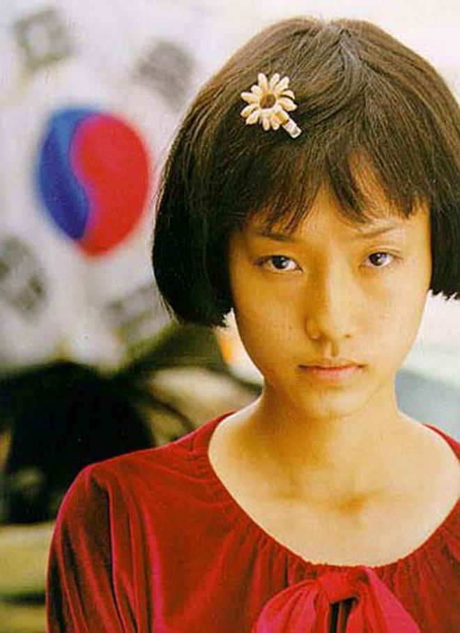 8 diễn viên Hàn xả thân vì nghiệp diễn: Jang Geun Suk nhai rắn độc, Seo Ye Ji liều mình hít khí than diễn cảnh tự sát - Ảnh 11.