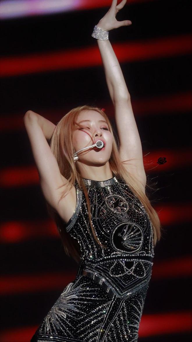Hoàn hảo như idol Hàn: Nách còn trắng mịn hơn cả da mặt, netizen tò mò không biết bí kíp là gì
