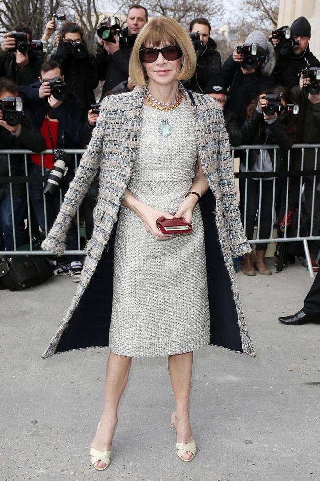 """Bà hoàng Vogue: Nữ vương cai trị làng thời trang thế giới với những """"mật mã thép"""" và bí ẩn phía sau mái tóc kinh điển không đổi hơn 50 năm - Ảnh 5."""