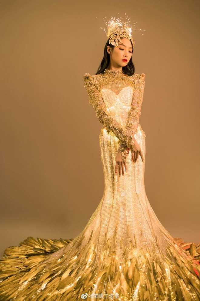 """Sau 1 ngày hứng chịu chỉ trích, Victoria có động thái cực gắt đáp trả lời chê bai """"Nữ thần Kim Ưng thảm hoạ"""" của netizen - Ảnh 2."""