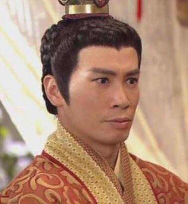 Tống Uy Long: Tân binh thường xuyên bị bắt gặp hôn gái xinh trên phố, cứ đóng phim cổ trang là xịt banh chành - ảnh 18